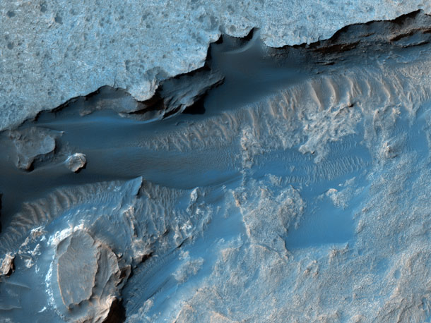 hirise_gale_crater
