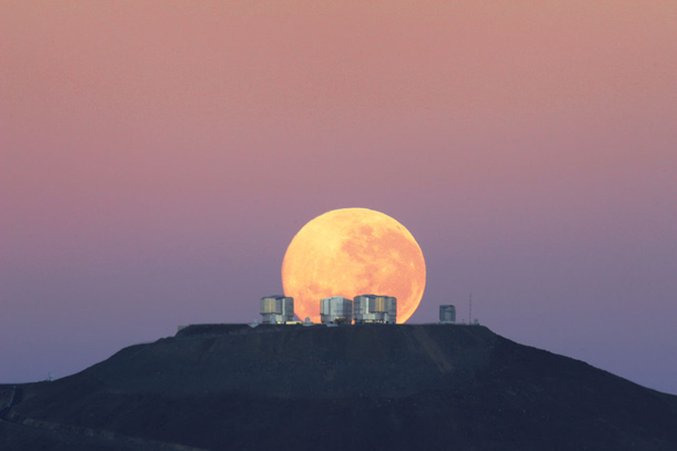 eso_vlt_moonset