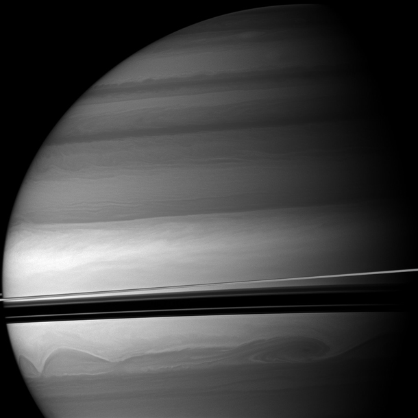 Cassini_saturn_swirls
