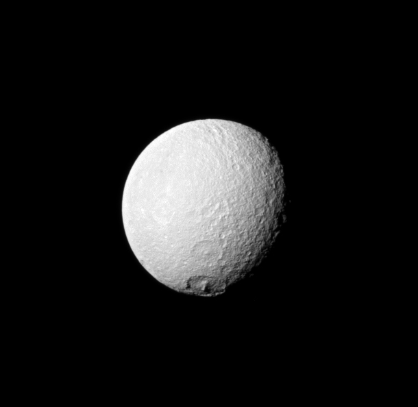 cassini_tethys_crater_