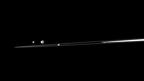 cassini_4moons_rings
