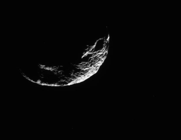 cassini_hyperion_crescent
