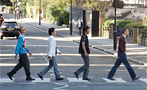 """Here's Me Crossing Abbey Road, Barefoot"": The World's Most Clich  d Tourist Photos"
